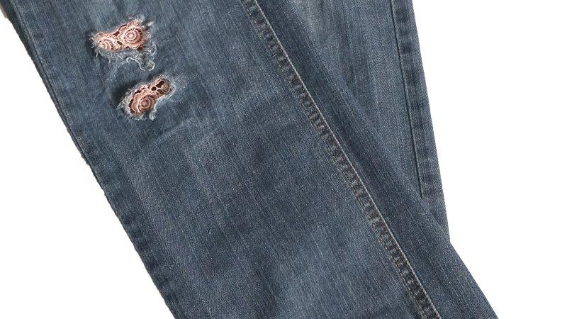 Customizar un pantalón desgastándolo