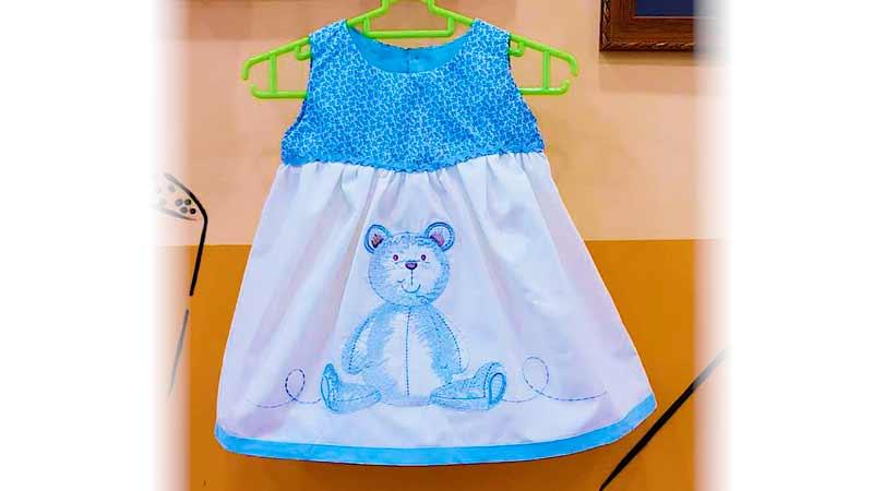 Vestido de talle alto para bebé